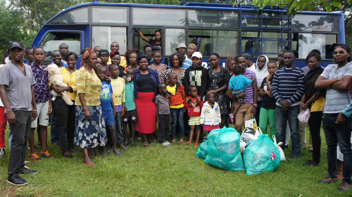 KIBU Hockey Club Visited Siritanyi Childrens Home