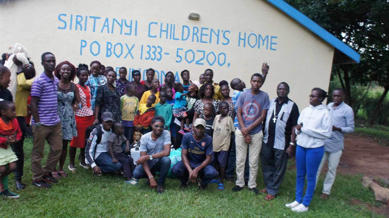 KIBU Hockey Club Visited Siritanyi Childrens Home
