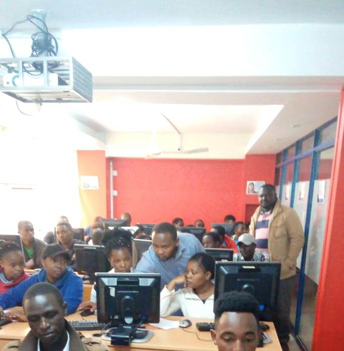Kibabii University Computer Science Students Visit eMobilis Lab