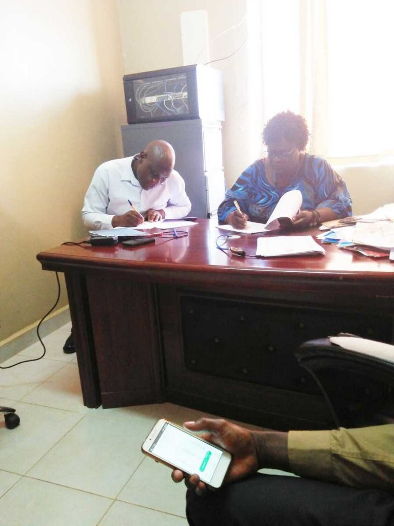 Cascading of Performance Contract for 20182019 FY between Deans and CoDSDirectorsHoDS4