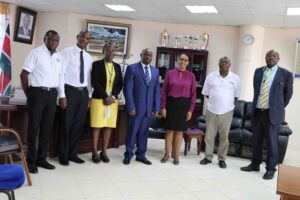 KCB-Bank-Managers-Pay-a-Courtesy-Call-on-the-Vice-Chancellor18