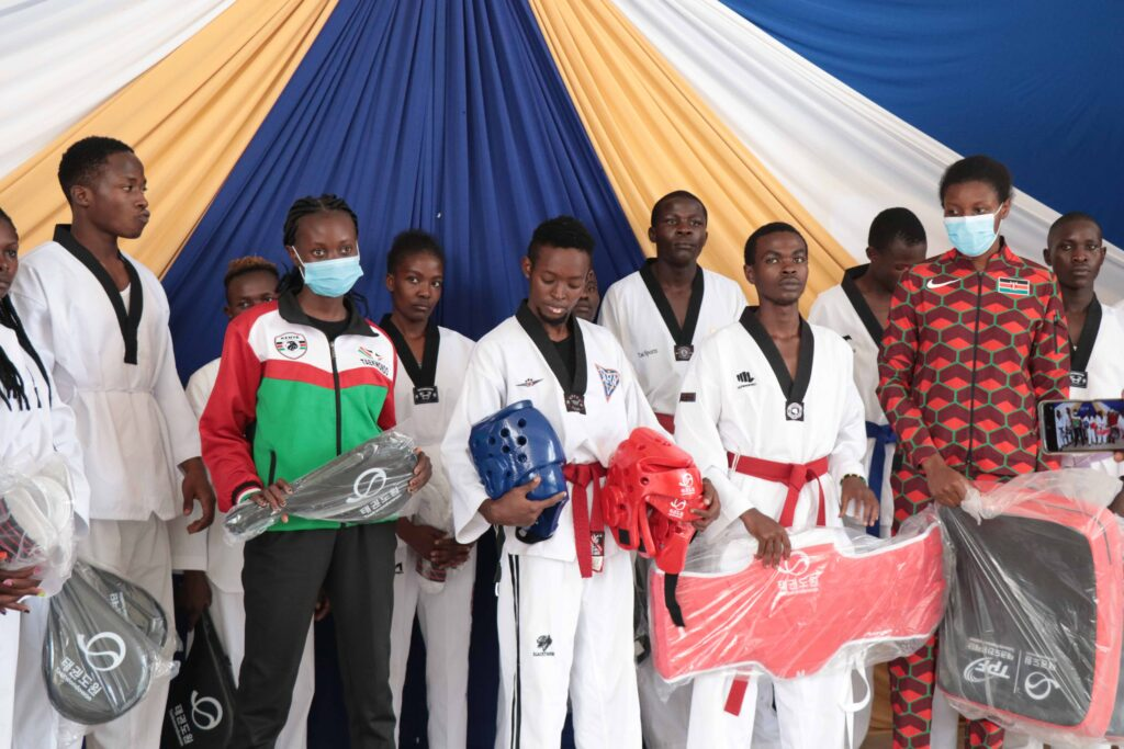 KIBU-Receives-a-Donation-of-Taekwondo-Equipment05